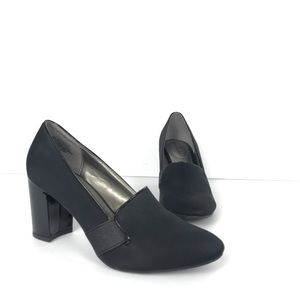 Bandolino  Black Satin Heels Patent Leather Block